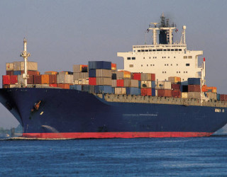 Un român se află printre 22 de marinari la bordul unei nave cargo eșuată în Marea Egee