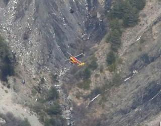 VIDEO – Primele imagini cu locul prăbușirii avionului în Franța sunt înfiorătoare!