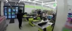 VIDEO – Atac armat într-un supermarket din Italia! Doi români răniți!