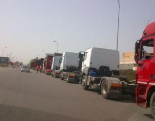 Percheziții în Dâmbovița: cei vizați furau motorină din TIR-urile oprite pe autostradă