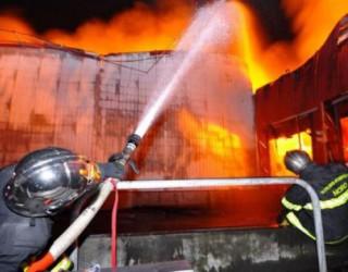 Incendiu de amploare lângă Cluj-Napoca! Pompierii n-au mai putut salva NIMIC!