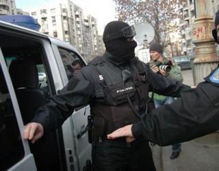 Trafic de minore și proxenetism în Craiova! Descinderi au loc la această oră!